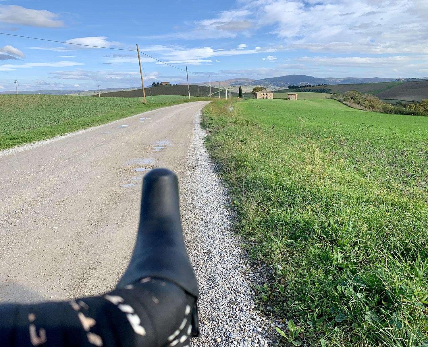Crete Senesi gravel tuscany bike tour Pienza