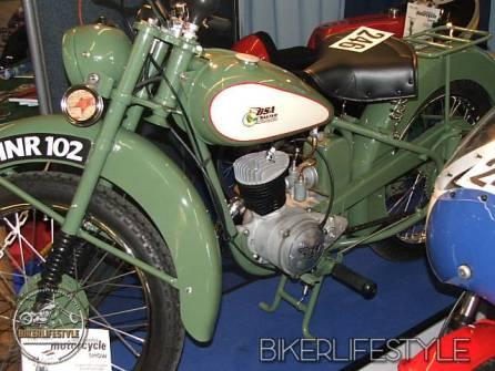 motorcycle-mechanic018