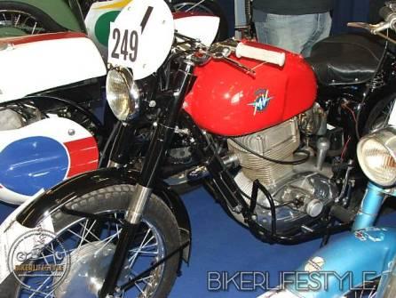 motorcycle-mechanic020