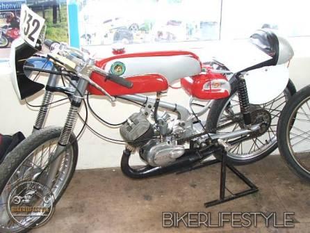 motorcycle-mechanic027