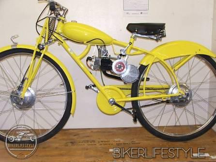motorcycle-mechanic030