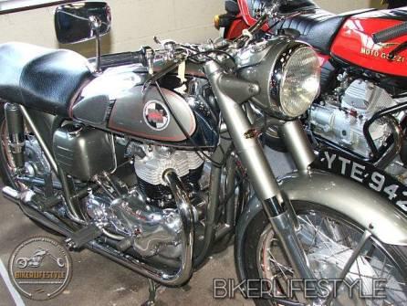 motorcycle-mechanic042