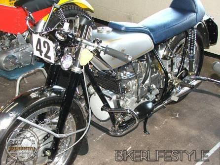 motorcycle-mechanic044
