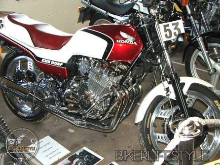 motorcycle-mechanic048