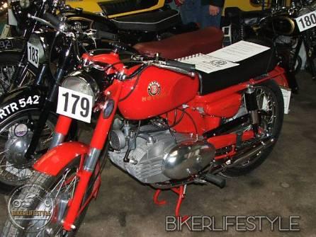 motorcycle-mechanic057