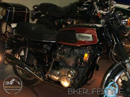 motorcycle-mechanic058