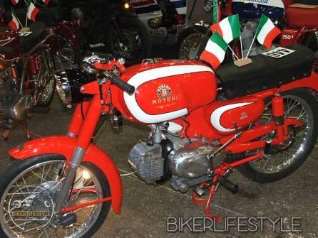 motorcycle-mechanic076