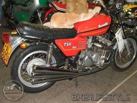 motorcycle-mechanic095