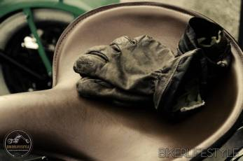 Saddle and Gloves