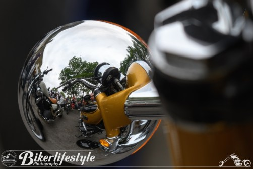biker-reflections-034
