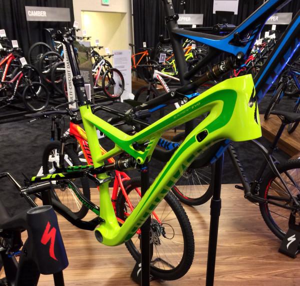 2015-specialized-camber-expert-evo-fsr-mountain-bike01