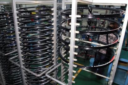SRAM Taiwan Factory Tours Suspension Shifters Derialleurs Carbon production108