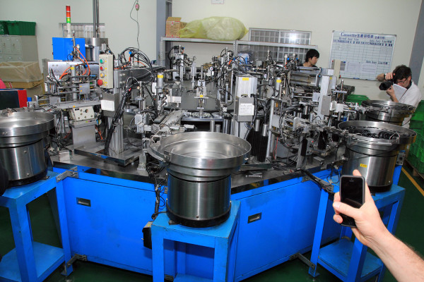 SRAM Taiwan Factory Tours Suspension Shifters Derialleurs Carbon production112