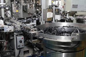 SRAM Taiwan Factory Tours Suspension Shifters Derialleurs Carbon production113