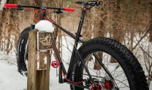 Rad bicycle company's The Grizz fatbike in the snow