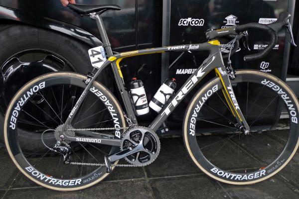 Flanders-Tech_RVV_Trek-Domane-SLR_version-2-preproduction-prototype_IsoSpeed-decoupler-endurance-road-race-bike_Fabian-Cancellara_special-edition_Trek-Segafredo_complete