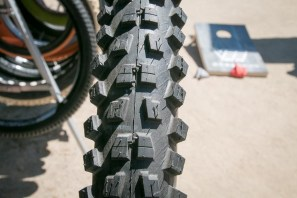 Vee tire co DH flow smasher super soft tiresIMG_4036