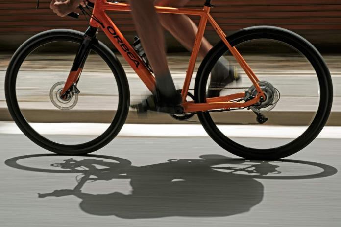 Orbea Gain aluminum road e-bike e-road bike electric-assist road bike stealth battery motor integration riding shadow
