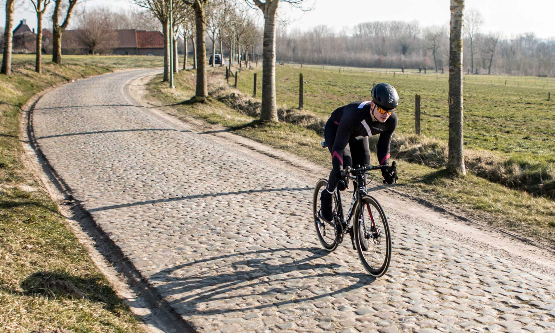05db9513f Ridley readies for cobbles with limited edition Fenix SL Disc Classics road  bike