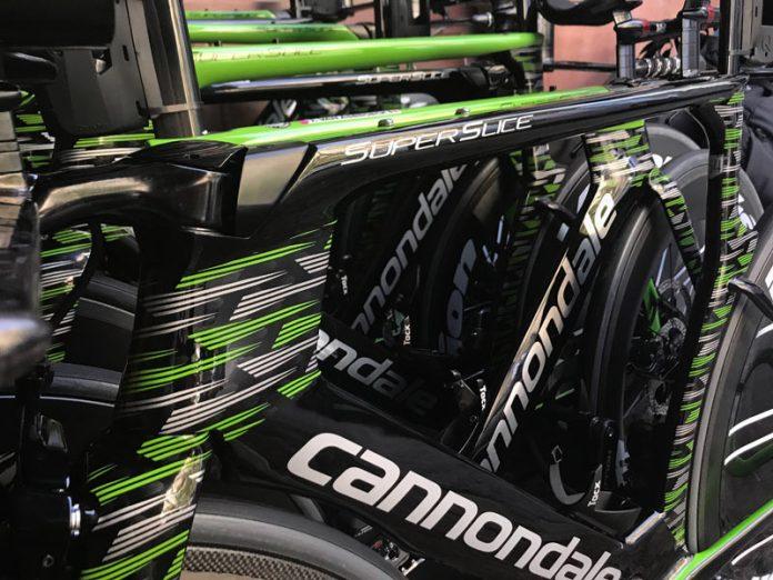 2018 Giro D-Italia pro bike check Drapac Cannondale Super Slice Disc TT race bike