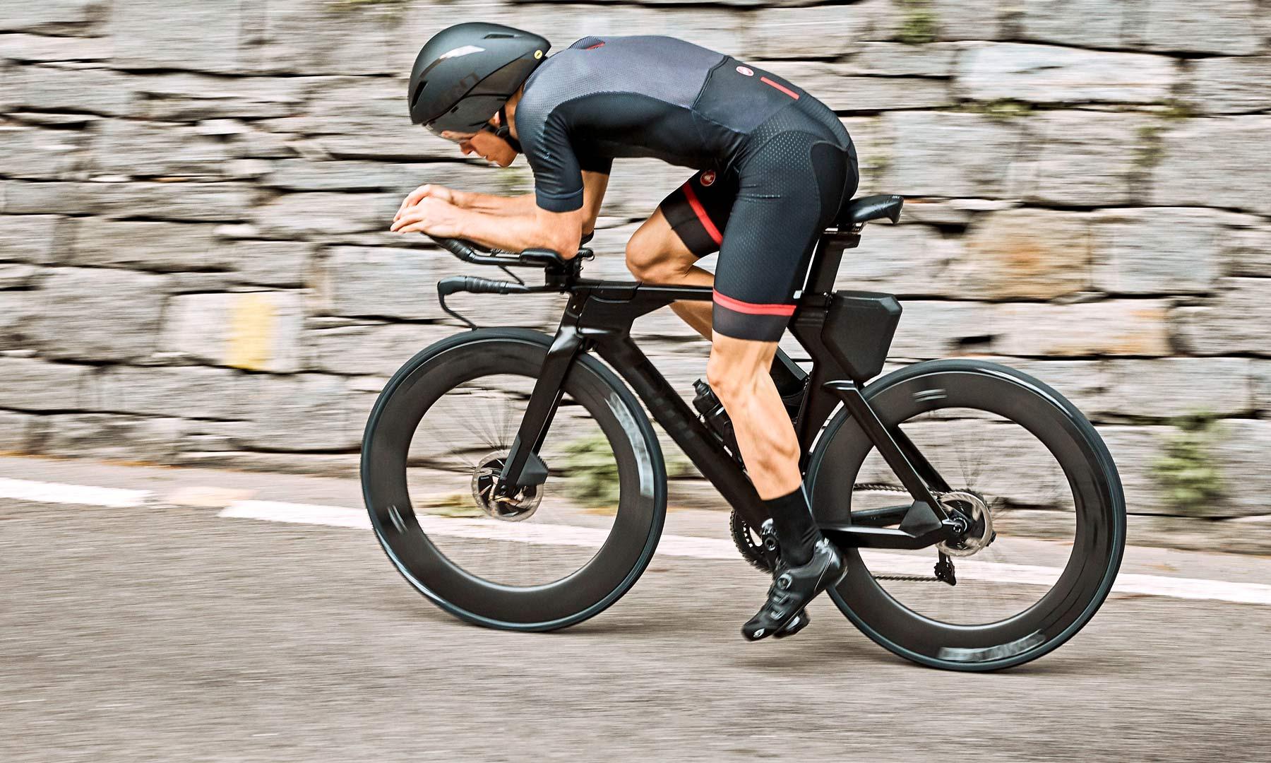 d3ea07164 BMC Timemachine 01 Disc slips in as the ultimate triathlon TT bike ...