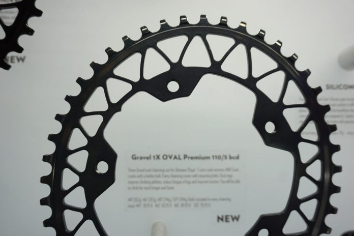 absoluteblack gravel oval chainrings for 110-4 and 110-5 bolt cranksets
