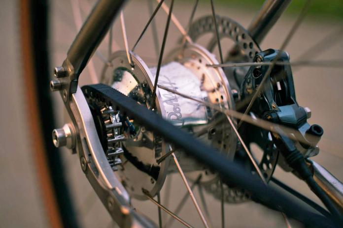 Budnitz-0-G_Zero-G_limited-edition-titanium-ti-gravel-road-bike_studio-complete Rohloff