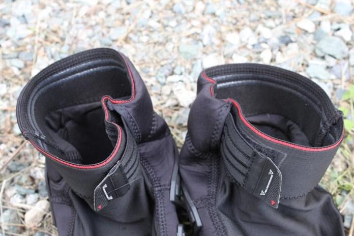 Dainese Enduro Knee Guards, hem bunching