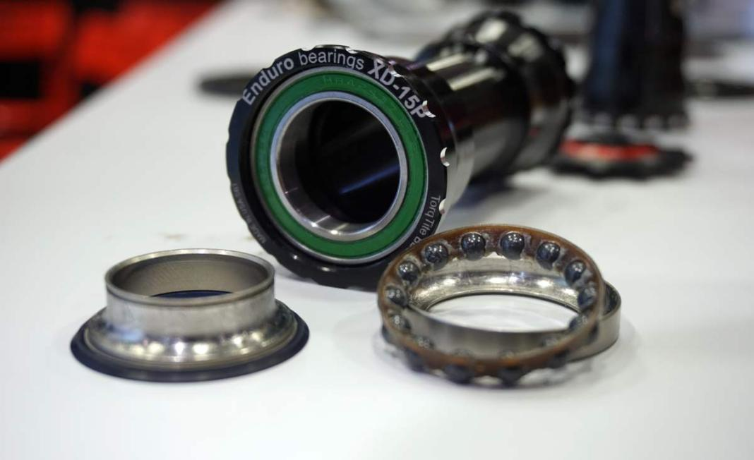 Enduro Bearings explains the angle of angular contact bearings with new XD-15 degree bottom brackets