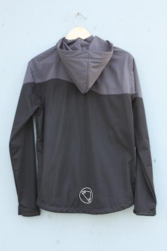 Endura-Singletrack-softshell-jacket, back