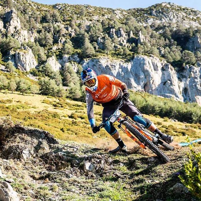 why doesnt ambient air pressure or altitude changes affect mountain bike air suspension performance