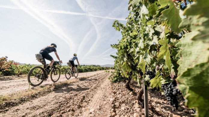 Exploro the world by bike with new 3Travel guided gravel program