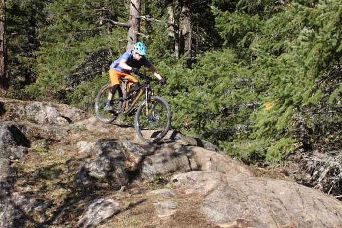 Rocky Mountain Instinct BC Edition 2019, Steve Fisher descending