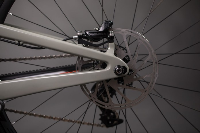 Santa Cruz V10 29er lands for consumers along with Reserve 29 DH wheels