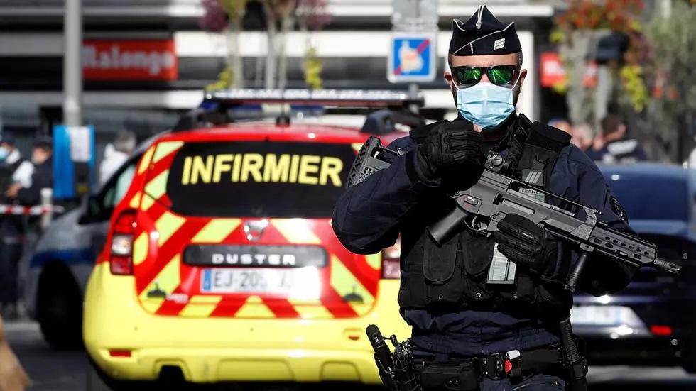 """قتلى ومصابين في حادث """"إرهابي"""" بكنيسة في فرنسا"""