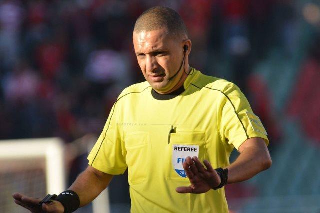 الحكم المغربي رضوان جيد يقود مباراة نهائي دوري أبطال أفريقيا لكرة القدم بين الزمالك والأهلي المصريين