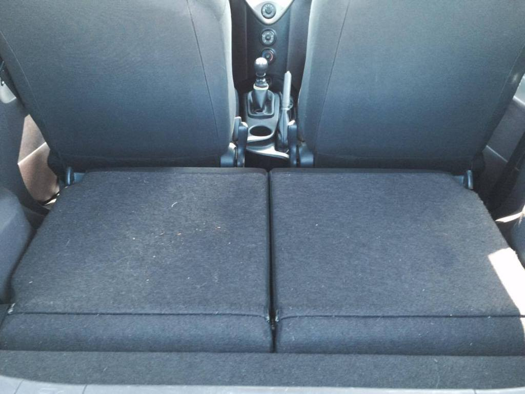 Toyota iQ luggage