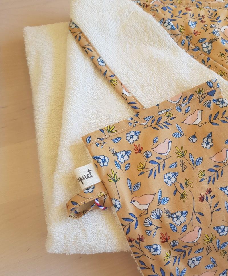 gant toilette cape bain bebe naissance nouveau ne cadeau accessoire bapteme oiseau moutarde