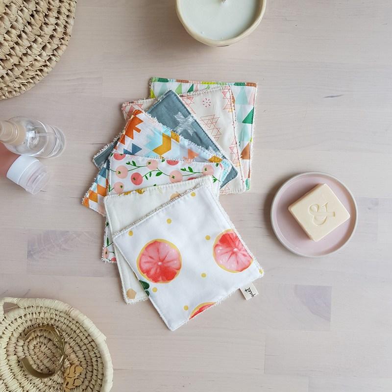 cadeau createur francais original bilboquet semainier cotons lavable eponge rose vert carre grand
