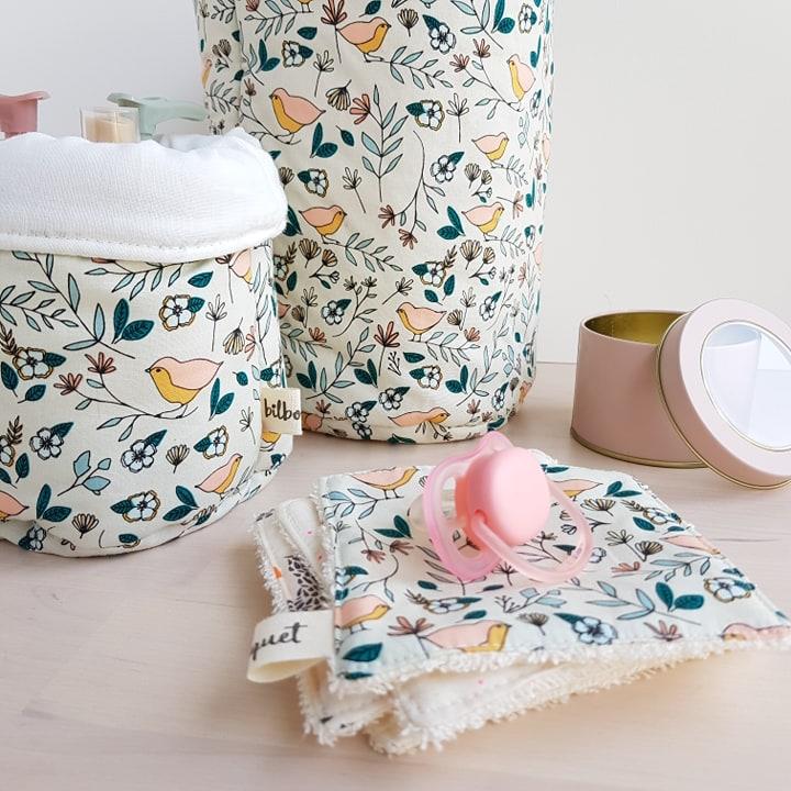 cadeau naissance bebe fille deco chambre oiseau rose createur couche lavable