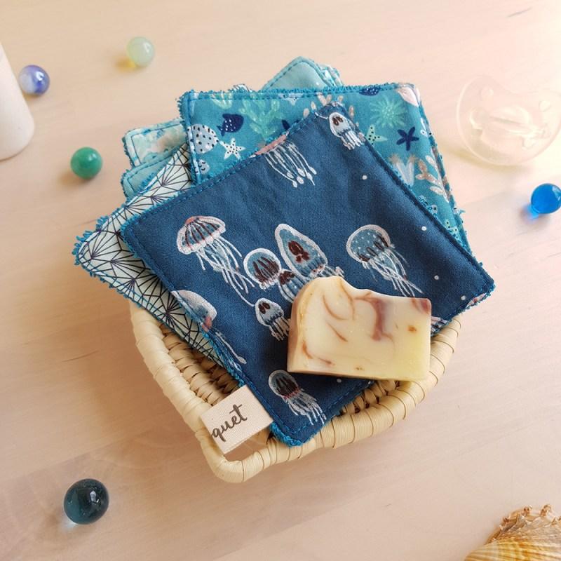 lingettes lavables demaquillante bleu coton carre fonce maquillage createur lyon bilboquet meduse