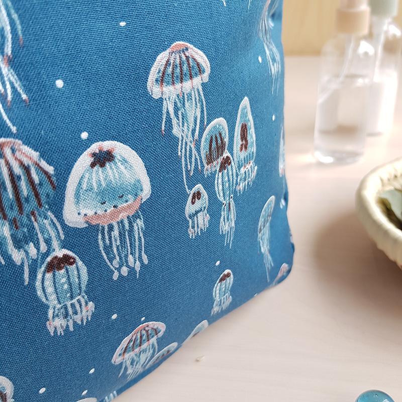 trousse toilette bleu cadeau naissance garcon made in france fabrication francaise cadeau bebe garcon enfant bain