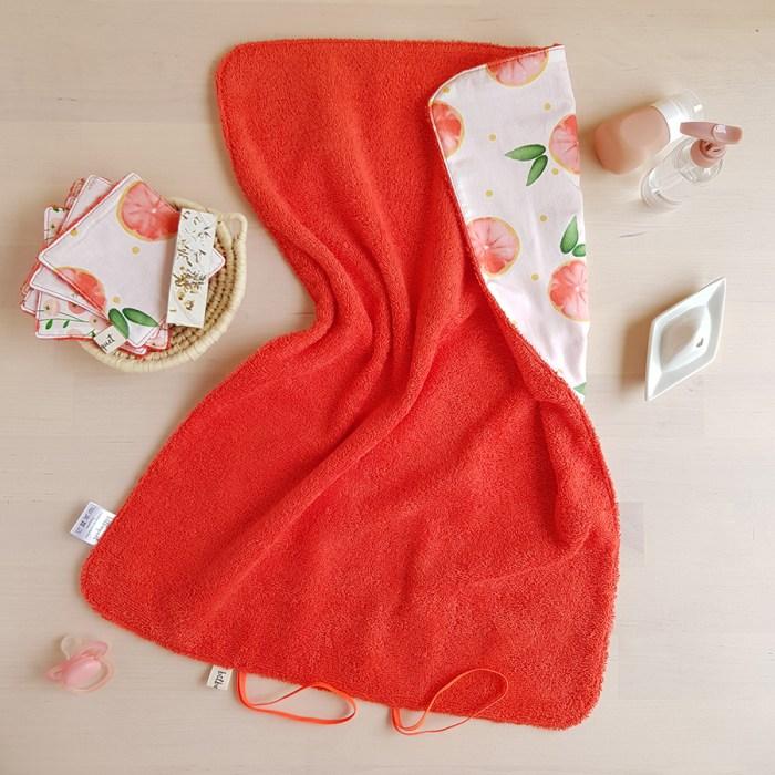tapis a langer nomade promenade avec bebe accessoire naissance puericulture cadeau fille sirene oekotex made france lyon createur bilboquet pamplemousse orange rouge tangerine