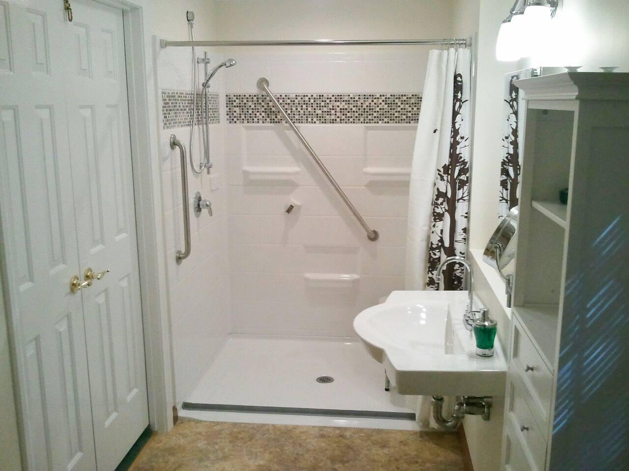 6 benefits of fiberglass roll in shower