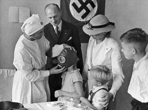 10214 13908 insanlik disi nazi deneyleri 427700 300x222 - Conducted horrible experiments on humanity and mind control