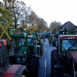 in Splietau geht nix mehr... die Bauern in Gorleben stellen sich quer.