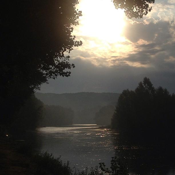 Morgens an der Biegung des Flusses.