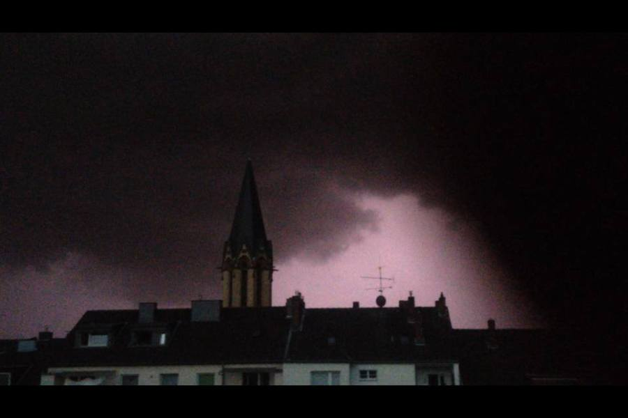 Orkanböen über Düsseldorf