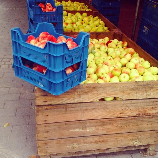Süß. Sauer. Saftig. Auf'm Markt gibt es wieder frisch geerntetes Obst aus der Region...