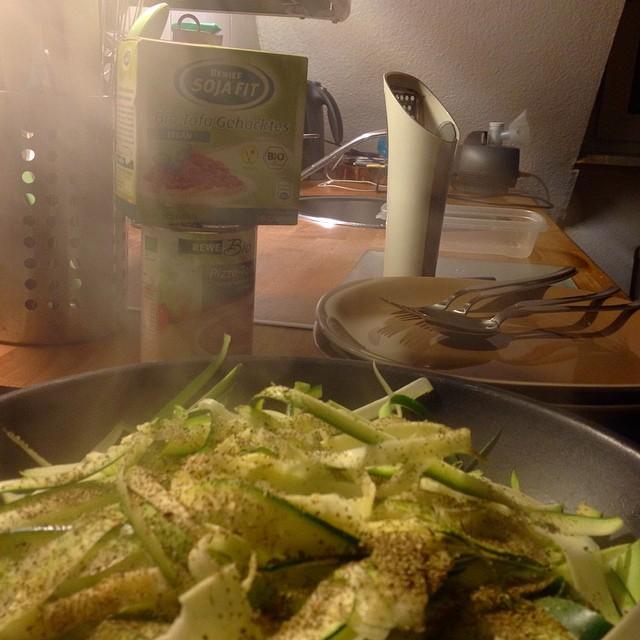 So, jetzt duftet es wieder mal leckerem Essen in der Wohnung und dem Hausflur ;-)